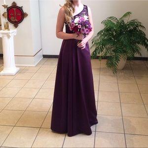 One-shoulder purple prom dress